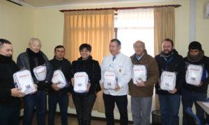 IST Y MUNICIPIO DE TENO HACEN ENTREGA DE KIT DE EMERGENCIAS A FUNCIONARIOS